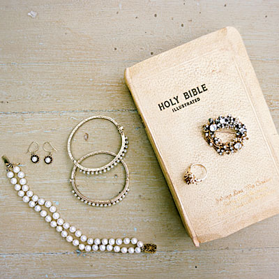 bible-jewelry-l