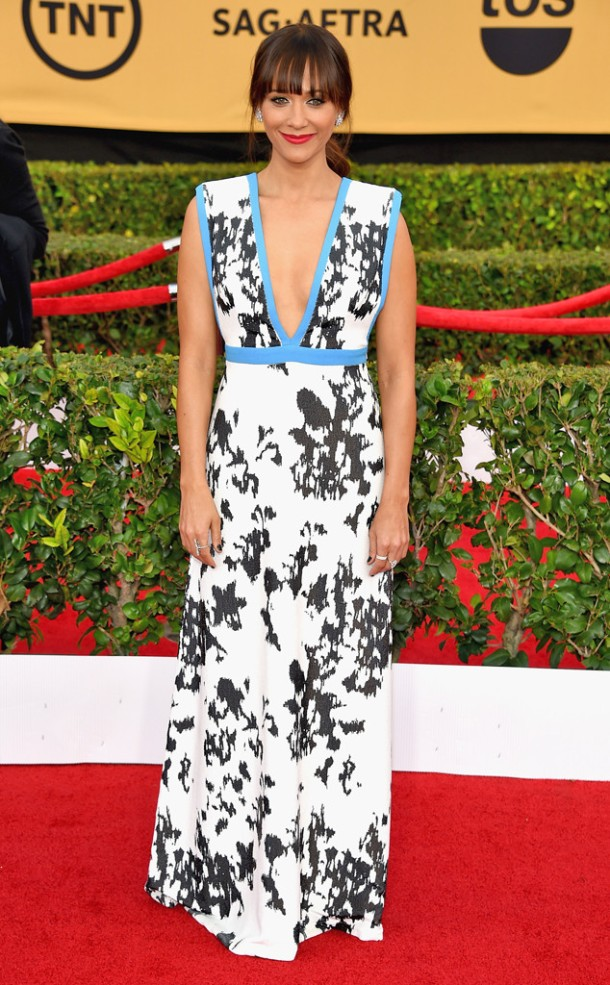 rs_634x1024-150125171054-634.rashida-jones-SAG-Awards-0115